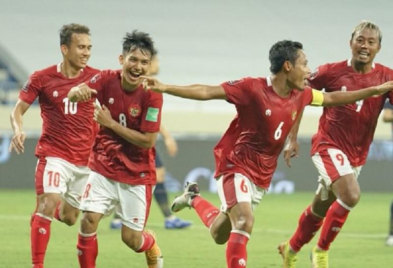 https: img.okezone.com content 2021 06 07 51 2421146 timnas-indonesia-hadapi-vietnam-shin-tae-yong-sebut-evan-dimas-dkk-lebih-percaya-diri-CUR5la3yFZ.jpg