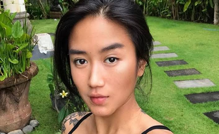 https: img.okezone.com content 2021 06 07 611 2421097 harta-takhta-renatta-ternyata-ini-rahasia-kecantikannya-4CXaBiSAU6.jpeg