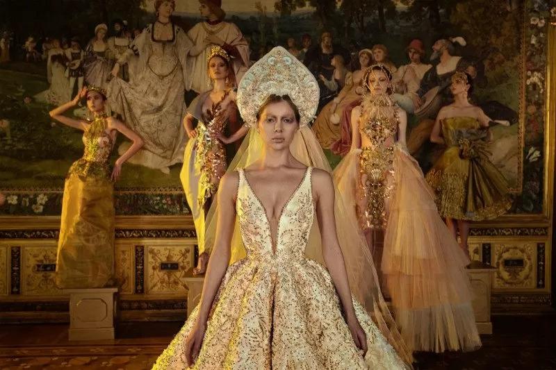 https: img.okezone.com content 2021 06 08 194 2422122 bangga-rumah-mode-maquinn-couture-tampil-di-eropa-lewat-fashion-film-realm-of-silence-xldPVfBsvM.jpeg
