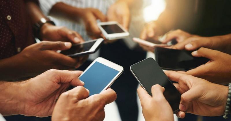 https: img.okezone.com content 2021 06 08 320 2422051 media-sosial-jadi-kebutuhan-influencer-jadi-incaran-kmFuUkTGuH.jpg