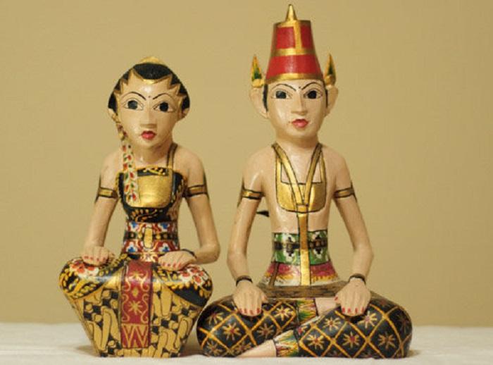 https: img.okezone.com content 2021 06 08 337 2421687 cerita-raja-majapahit-menikahi-abdi-dalem-istana-supaya-sembuh-dari-raja-singa-UrRGnJA78K.jpg