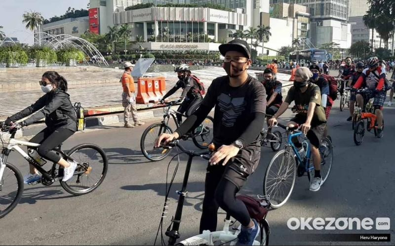 https: img.okezone.com content 2021 06 08 338 2421883 ini-alasan-pemprov-dki-siapkan-lintasan-road-bike-di-jalur-sudirman-thmarin-seXvY81oLI.jpg