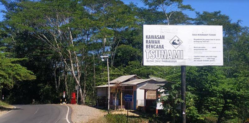 https: img.okezone.com content 2021 06 08 519 2422118 bmkg-siapkan-skenario-terburuk-dalam-mitigasi-tsunami-di-pesisir-selatan-jatim-Vdj7JbkT22.jpg