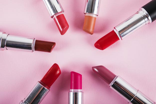 https: img.okezone.com content 2021 06 08 611 2422172 beautypedia-cara-memakai-liquid-lipstick-supaya-tahan-seharian-mgUPwMNNFX.jpg