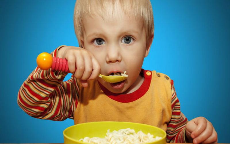 https: img.okezone.com content 2021 06 08 612 2422040 anak-miliki-rasa-lapar-berlebih-hati-hati-penyakit-langka-sindrom-prader-willi-zCY3AIiTkz.jpg