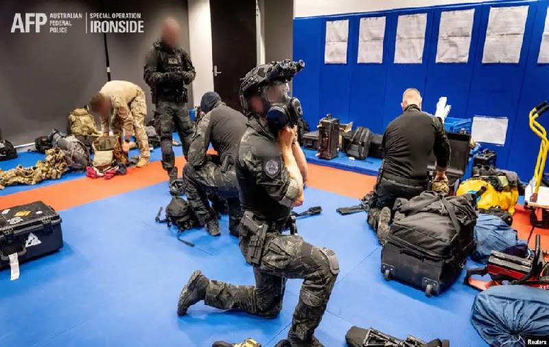https: img.okezone.com content 2021 06 09 18 2422229 australia-ikut-dalam-penggerebekan-global-terhadap-geng-kriminal-terorganisir-vpr4pDcEXW.jpg