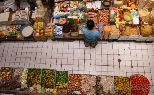 https: img.okezone.com content 2021 06 09 320 2422536 kekesalan-pedagang-pasar-memuncak-ketika-beras-hingga-daging-bakal-kena-pajak-qzbsKAYIx7.jpg