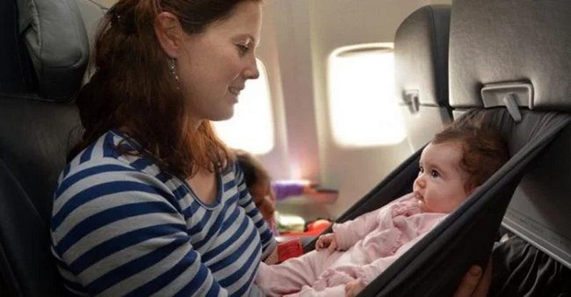 https: img.okezone.com content 2021 06 09 406 2422493 tips-naik-pesawat-dengan-si-kecil-selama-pandemi-aIYBV8JSXu.jpg