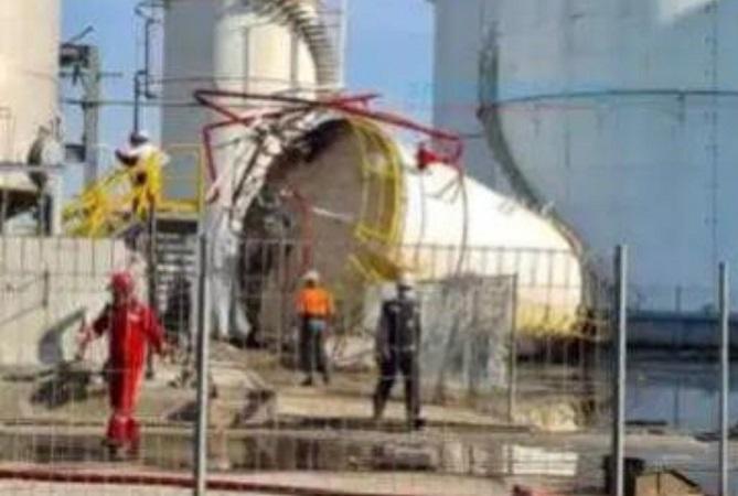 https: img.okezone.com content 2021 06 09 519 2422405 tangki-metanol-di-gresik-meledak-5-karyawan-tewas-dan-2-terluka-TmpoUN3JR5.jpg