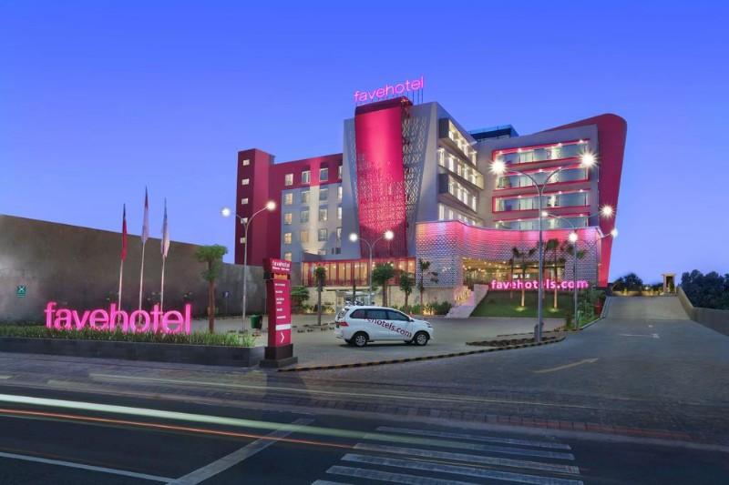 https: img.okezone.com content 2021 06 09 612 2422244 okupansi-hotel-rendah-mister-aladin-adakan-flash-sale-rp99-ribu-btUWlCHjtE.jpg