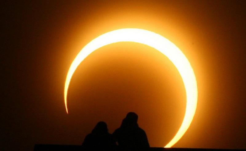 https: img.okezone.com content 2021 06 10 16 2423025 ini-jadwal-gerhana-matahari-cincin-bisa-disaksikan-di-indonesia-jPQRUG5DEO.jpg