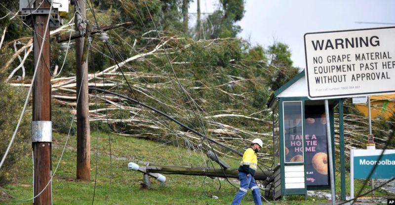 https: img.okezone.com content 2021 06 10 18 2423347 banjir-salju-dan-angin-kencang-menerjang-australia-w5k3OlxBSF.jpg