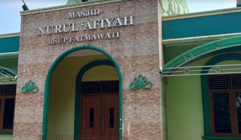 https: img.okezone.com content 2021 06 10 338 2423048 viral-perempuan-curi-ponsel-dan-uang-di-masjid-rsup-fatmawati-olRXaxS0nR.jpg