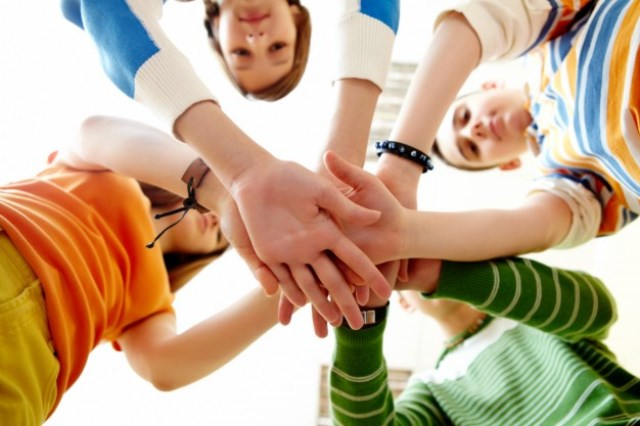 https: img.okezone.com content 2021 06 10 481 2423145 asah-kreativitas-solusi-masalah-kesehatan-mental-remaja-saat-pandemi-z2EzqeJokp.jpg