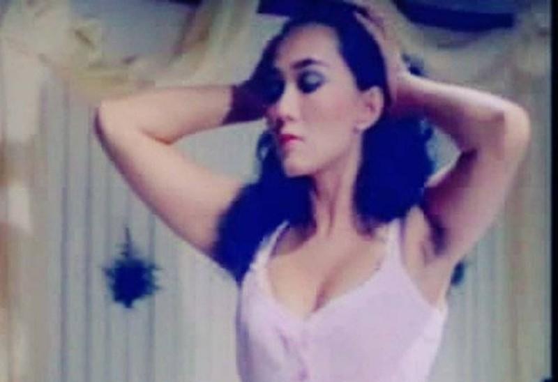 https: img.okezone.com content 2021 06 10 612 2422752 sederet-artis-cantik-era-80-an-yang-jadi-ikon-bom-seks-kenal-gak-AMgbXzVtNu.jpg