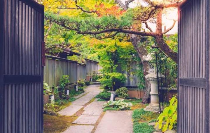 https: img.okezone.com content 2021 06 11 12 2423796 cara-mudah-membuat-taman-minimalis-di-rumah-NXgMN7aUZb.jpg