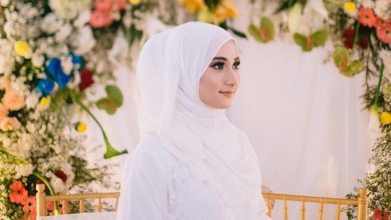https: img.okezone.com content 2021 06 11 194 2423555 4-potret-penampilan-nadzira-shafa-istri-ameer-azzkira-netizen-definisi-cantik-dari-kecil-wvjyUbAfaB.jpg