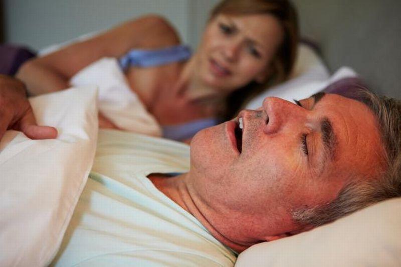 https: img.okezone.com content 2021 06 11 481 2423755 kesal-pasangan-pasangan-sering-ngorok-atasi-dengan-akupunktur-IAy6BKWSg2.jpg