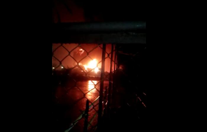 https: img.okezone.com content 2021 06 11 512 2423886 kilang-minyak-pertamina-yang-terbakar-di-cilacap-berisikan-benzene-WMcAoPgUiu.png