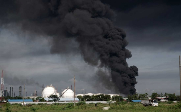https: img.okezone.com content 2021 06 12 320 2424156 kilang-minyak-cilacap-kebakaran-satu-titik-api-belum-padam-xsUUzcstzj.jpg