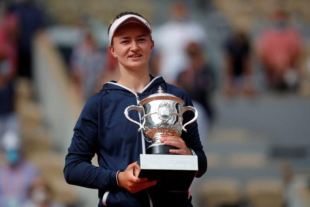 https: img.okezone.com content 2021 06 12 40 2424262 hajar-anastasia-pavlyuchenkova-barbora-krejcikova-jadi-juara-prancis-open-2021-Gtl3DpUxuI.jpg