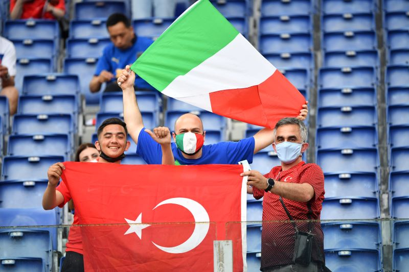 https: img.okezone.com content 2021 06 12 51 2423937 susunan-pemain-timnas-turki-vs-italia-gli-azzurri-pakai-formasi-menyerang-4MlYuAOiwh.JPG