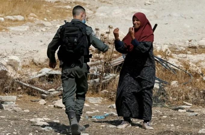 https: img.okezone.com content 2021 06 13 18 2424454 penjaga-keamanan-israel-tembak-mati-perempuan-palestina-di-pos-pemeriksaan-djrJQMAWql.jpg