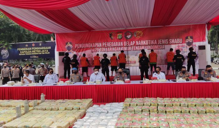 https: img.okezone.com content 2021 06 14 337 2425036 penyelundupan-1-129-ton-sabu-diungkap-ini-beberapa-kasus-narkoba-terbesar-di-indonesia-MirMVUqRkl.jpg