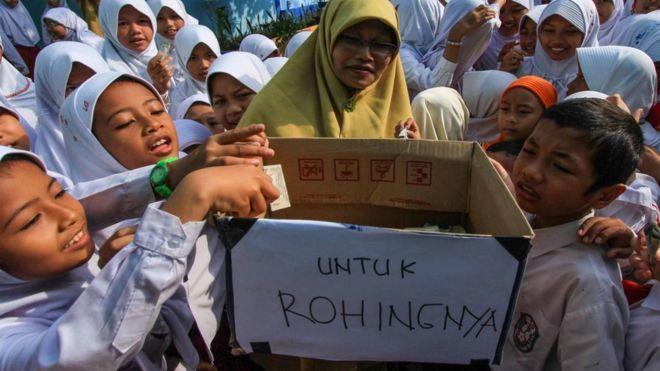 https: img.okezone.com content 2021 06 14 337 2425073 indonesia-kembali-dikukuhkan-jadi-negara-paling-dermawan-di-dunia-gxMcmy1amO.jpg