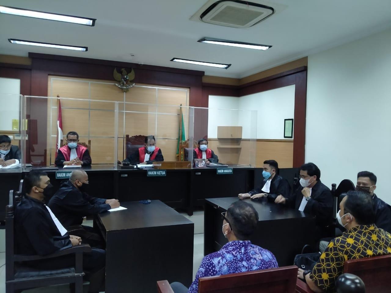 https: img.okezone.com content 2021 06 14 338 2425078 eks-dirut-garuda-indonesia-divonis-1-tahun-penjara-terkait-kasus-harley-davidson-078MEjjFev.jpg