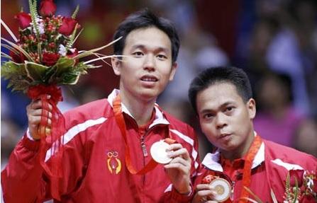 https: img.okezone.com content 2021 06 14 40 2425090 markis-kido-meninggal-dunia-pernah-raih-medali-emas-olimpiade-2008-fbfl0Bofff.jpg