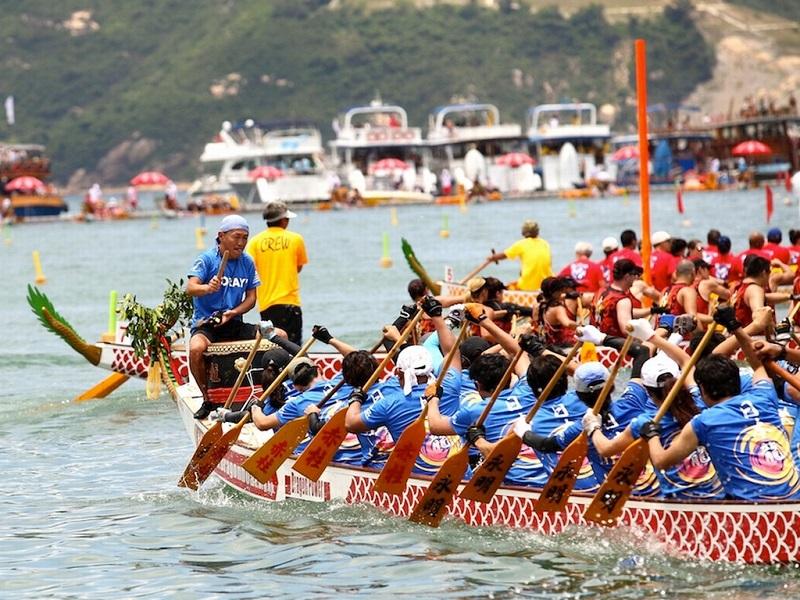https: img.okezone.com content 2021 06 14 406 2424940 ada-festival-perahu-naga-begini-makna-dan-sejarah-tradisi-peh-cun-eVbIQHArvx.jpg