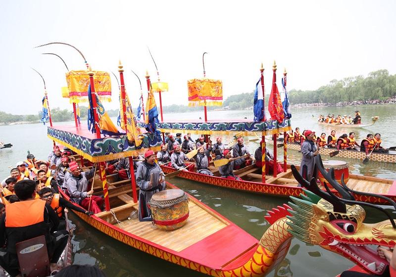 https: img.okezone.com content 2021 06 14 620 2424849 demi-festival-perahu-naga-100-juta-orang-nekat-mudik-di-tengah-corona-heRjRH8dEm.jpg