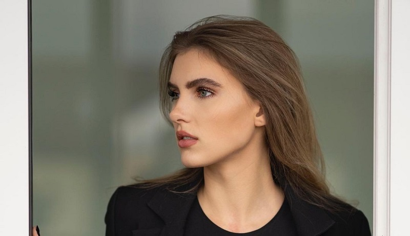 https: img.okezone.com content 2021 06 15 194 2425379 4-potret-cantik-sophia-weber-kekasih-kai-havertz-gelandang-jerman-di-euro-2020-yNUzT0MPg1.jpg