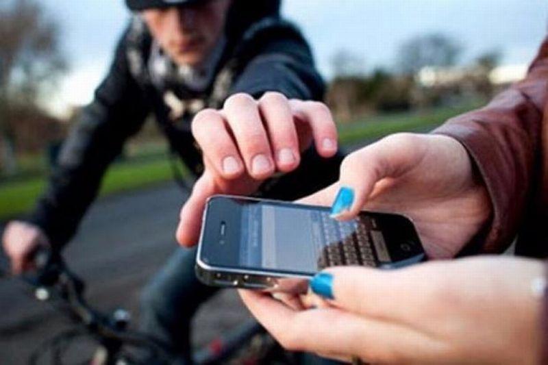 https: img.okezone.com content 2021 06 15 337 2425585 5-daftar-pencurian-ponsel-bocah-yang-viral-nomor-3-paling-ngeri-7XtTSyzVAX.jpg
