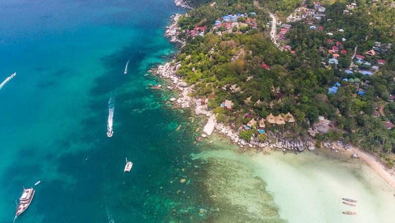 https: img.okezone.com content 2021 06 15 406 2425358 pasangan-millionaire-ini-tewas-di-pulau-kematian-di-thailand-9hZOEH719R.jpg