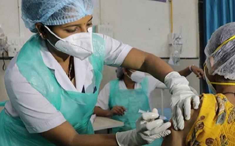 https: img.okezone.com content 2021 06 15 481 2425349 menerima-donor-darah-dari-penerima-vaksin-covid-19-apakah-aman-uWJ4o3tIe2.jpg
