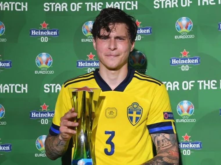 https: img.okezone.com content 2021 06 15 51 2425189 man-of-the-match-spanyol-vs-swedia-di-piala-eropa-2020-victor-lindelof-sFqLJDbuHk.jpg