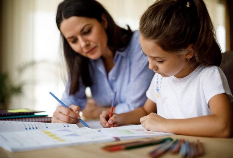https: img.okezone.com content 2021 06 16 1 2425991 persiapkan-anak-sukses-di-masa-depan-dengan-bahasa-inggris-qjKdmuLFto.jpg