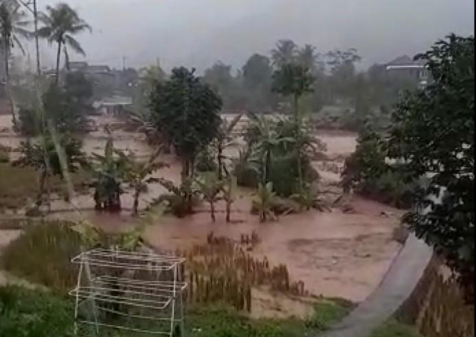 https: img.okezone.com content 2021 06 16 337 2425797 bnpb-1-423-bencana-alam-terjadi-hingga-15-juni-QQQc2vylH4.jpg