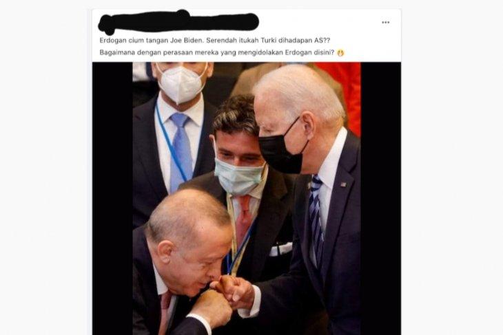 https: img.okezone.com content 2021 06 17 18 2426619 cek-fakta-erdogan-cium-tangan-biden-KJsvRg95ky.jpg