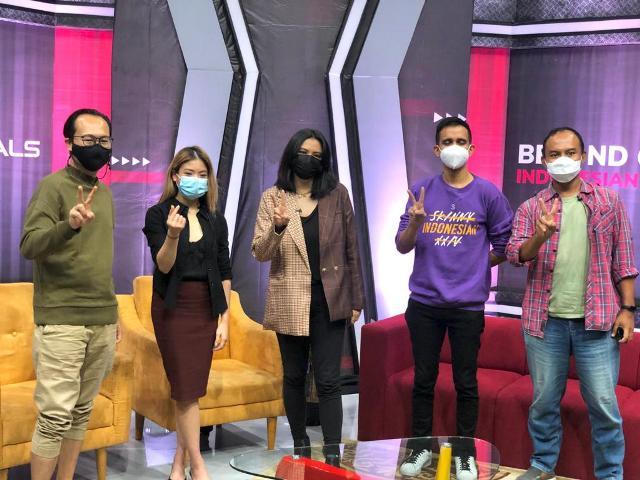 https: img.okezone.com content 2021 06 17 326 2426914 terselip-pesan-moral-di-docuseries-vision-originals-beyond-creator-indonesian-youtubers-5HFxD45vo5.jpg