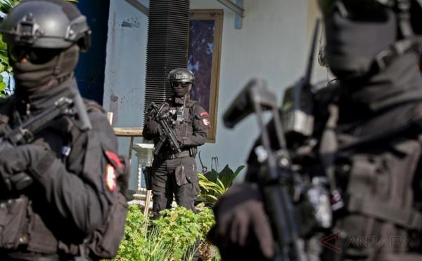 https: img.okezone.com content 2021 06 17 525 2426759 teroris-yang-ditangkap-di-bogor-kelompok-jad-jawa-barat-KUy4pyhtxC.jpg