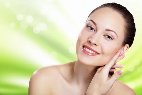 https: img.okezone.com content 2021 06 17 611 2426922 cara-menambah-kolagen-kulit-wajah-agar-awet-muda-x0JJKsaGtS.jpg