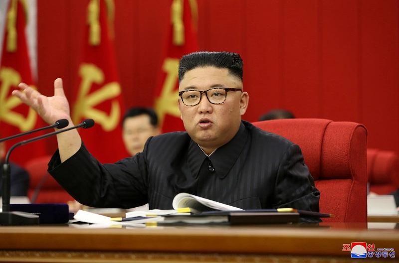 https: img.okezone.com content 2021 06 18 18 2427071 tampil-lebih-kurus-kim-jong-un-akui-korut-alami-kesulitan-pangan-sY4AC7AeGP.JPG
