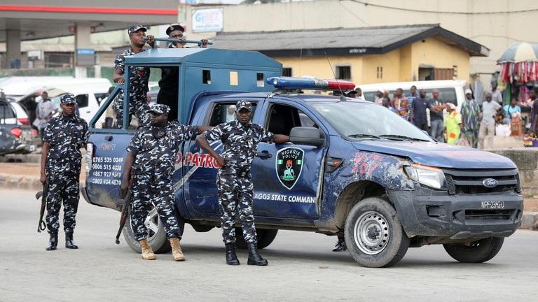 https: img.okezone.com content 2021 06 18 18 2427200 kelompok-bersenjata-bunuh-polisi-culik-guru-dan-murid-dari-sekolah-nigeria-nhmbldjxWJ.jpg