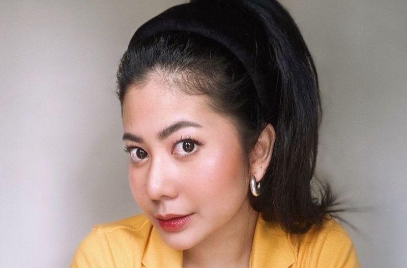 https: img.okezone.com content 2021 06 18 205 2427500 rilis-single-kuat-pesan-thavita-perempuan-suka-meragukan-kekuatannya-tGX4c1ePB6.jpg