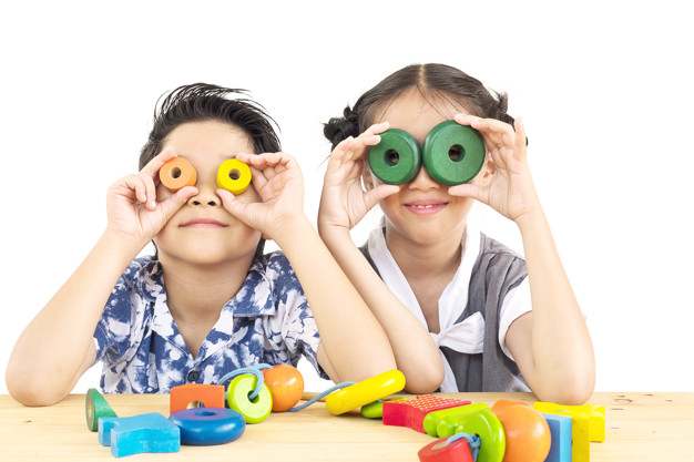 https: img.okezone.com content 2021 06 18 481 2427360 8-langkah-bersihkan-mainan-anak-supaya-terhindar-dari-covid-19-3HOloyUt3o.jpg