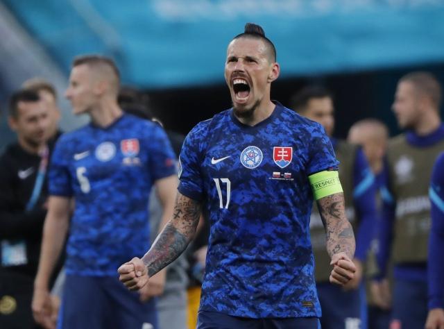 https: img.okezone.com content 2021 06 18 51 2427197 stefan-tarkovic-yakin-laga-swedia-vs-slovakia-akan-berjalan-sengit-Np9EU25lov.jpg