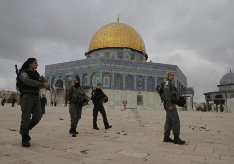 https: img.okezone.com content 2021 06 19 18 2427648 bentrokan-pecah-di-masjid-al-aqsa-polisi-israel-tangkap-14-warga-palestina-HFqeKutRhE.jpg